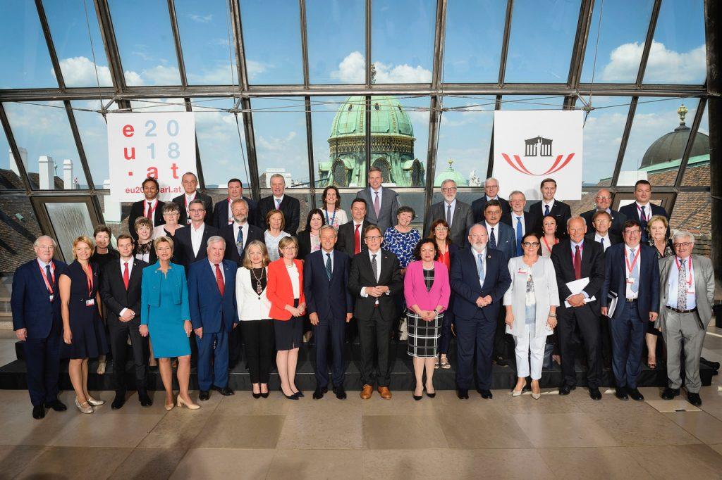Gruppenfoto mit den TeilnnehmerInnen der Veranstaltung.